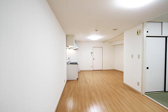 新宿区Sハイツ内装改修工事
